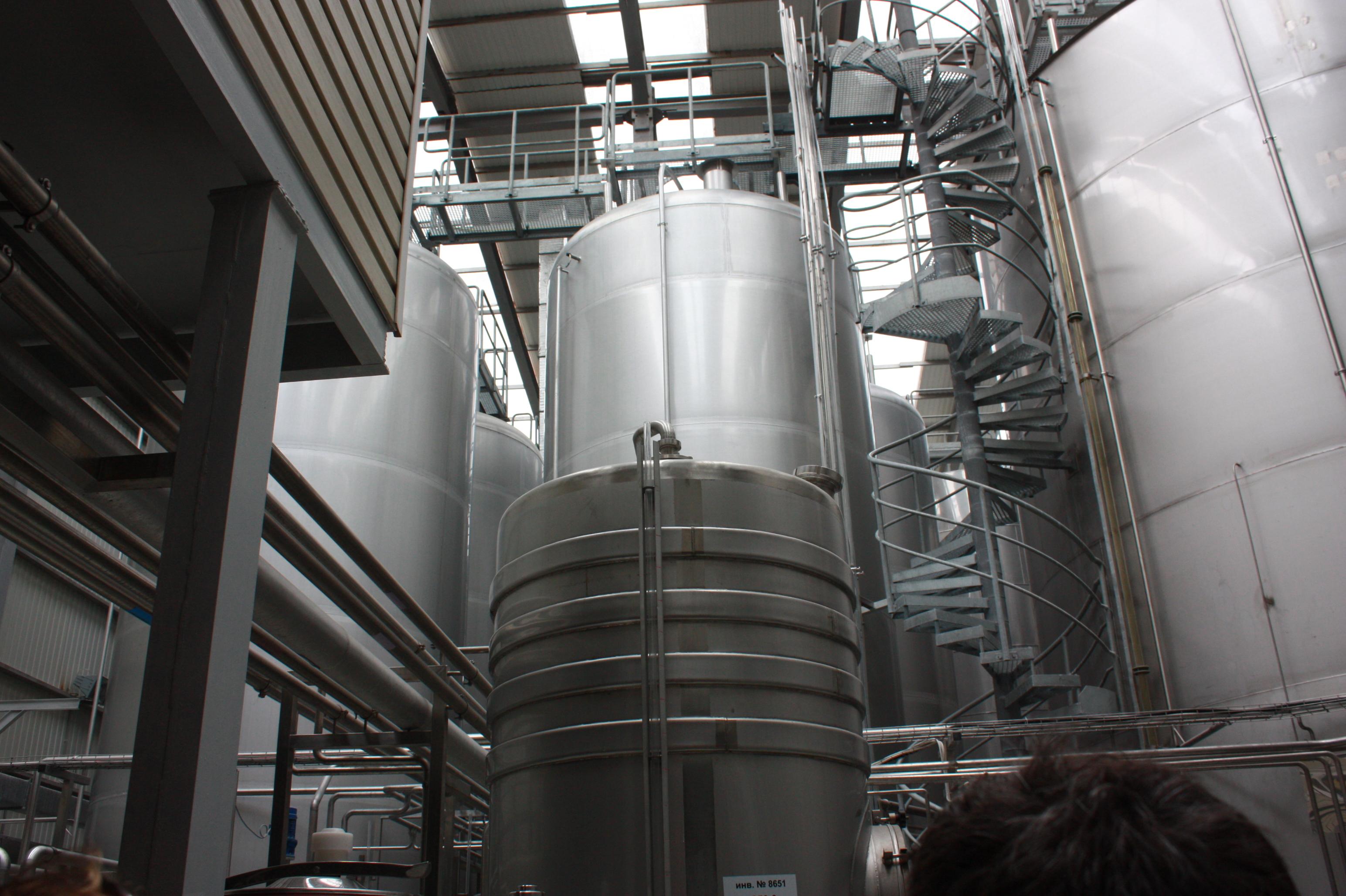 Резервуары для вина